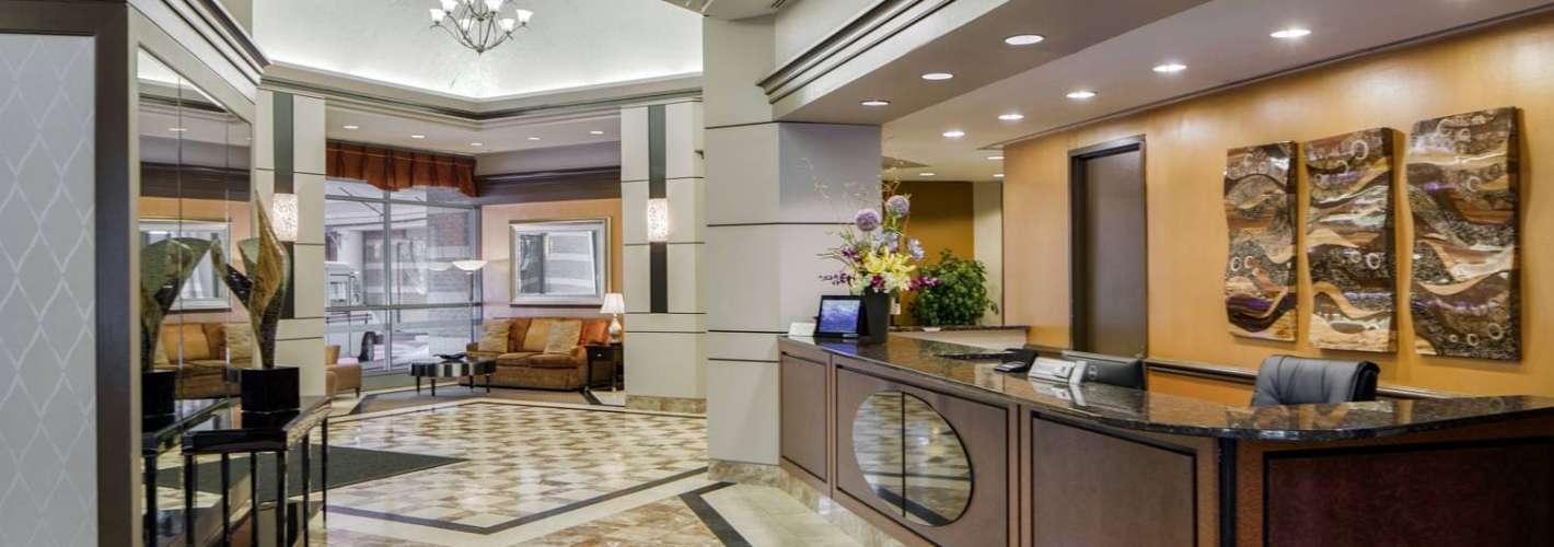 The Metropolitan : Lobby Concierge Desk