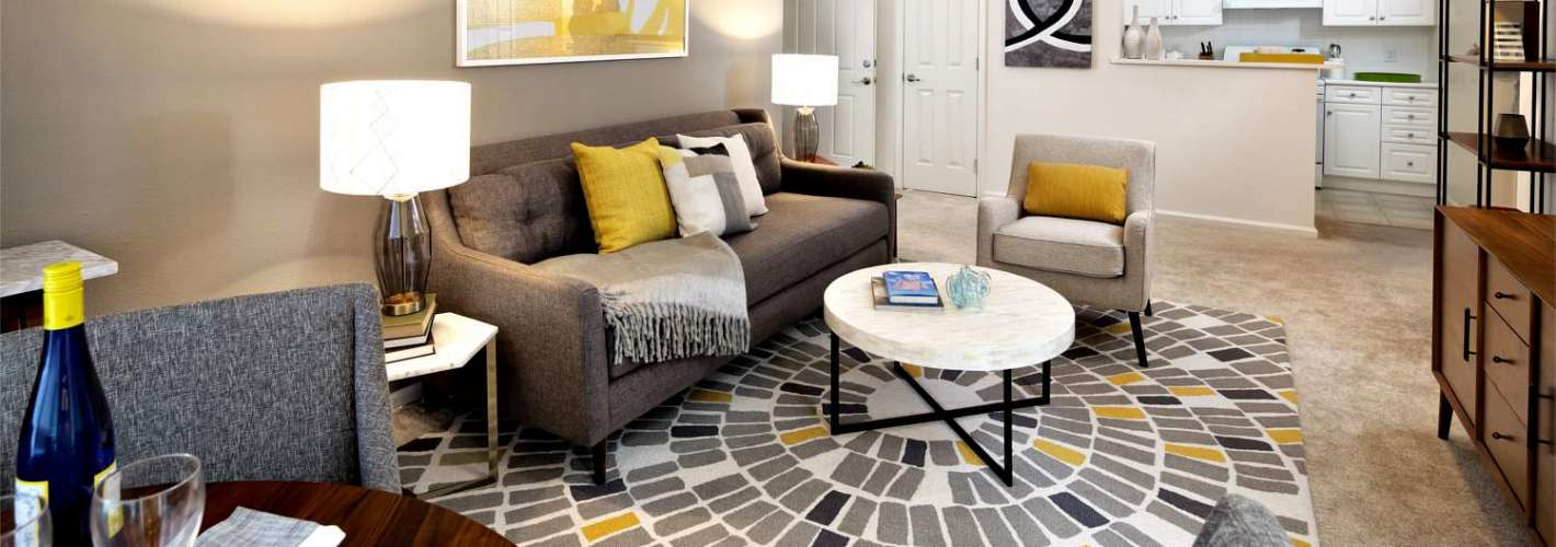 Halstead Milford : Living Room
