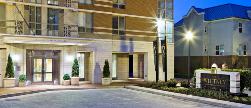 The Whitney : Convenient Location in the heart of downtown Bethesda