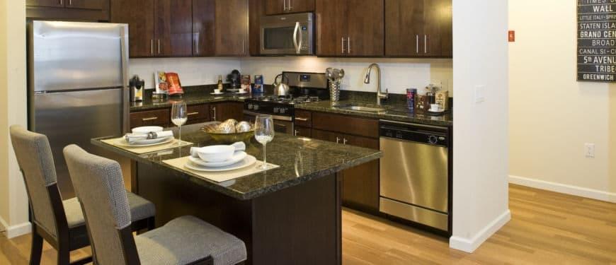 West 130 Apartments : Kitchen