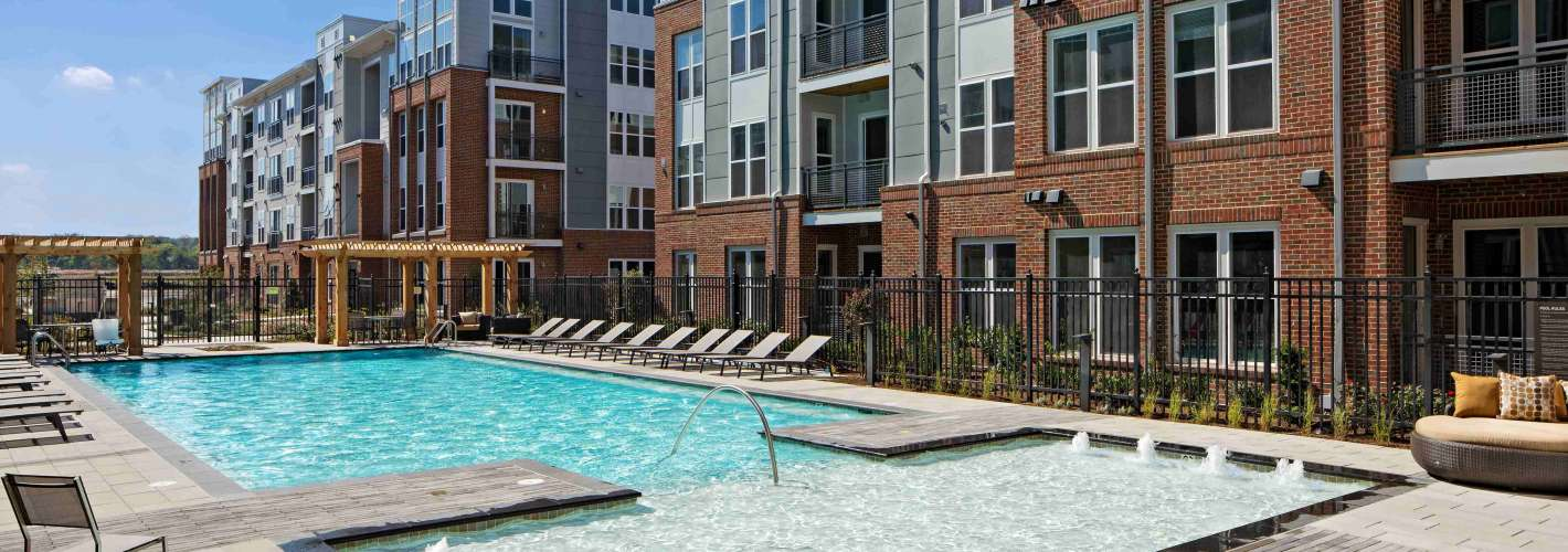 Flats170 at Academy Yard : PoolDay
