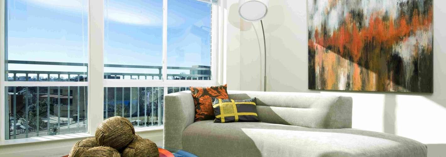 MetroPointe : Living Room 1