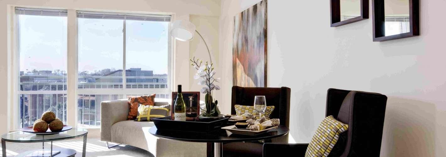 MetroPointe : Living Room 2