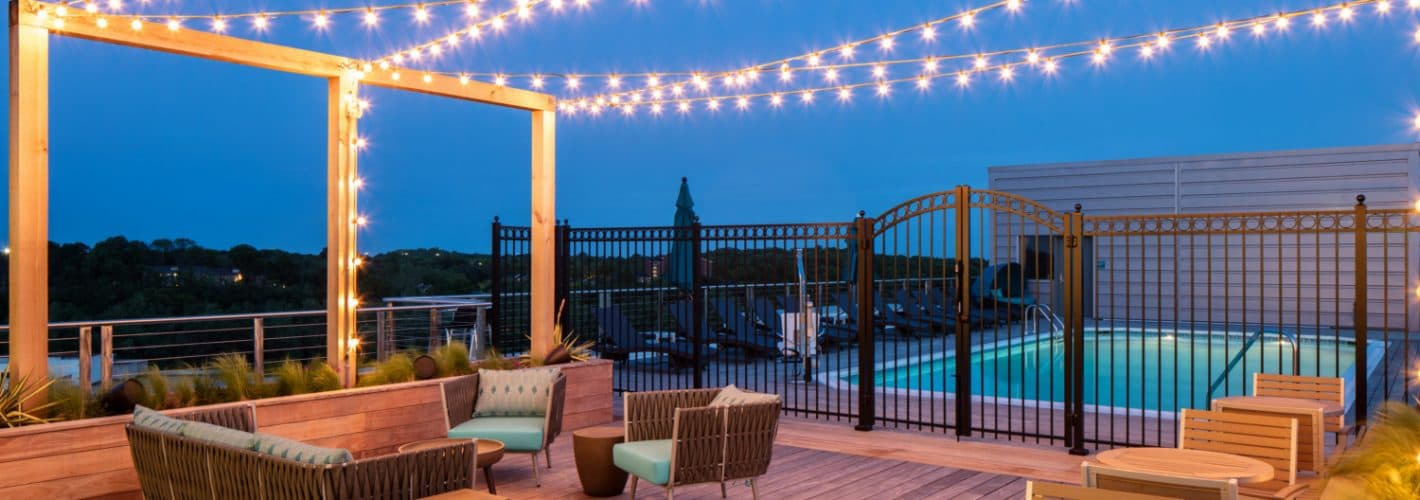 Lakehouse : ROOFTOP LOUNGE DUSK