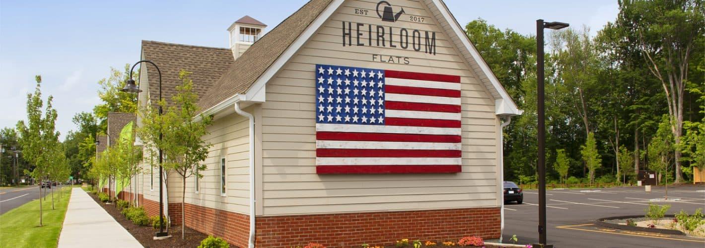 Heirloom Flats : Exterior