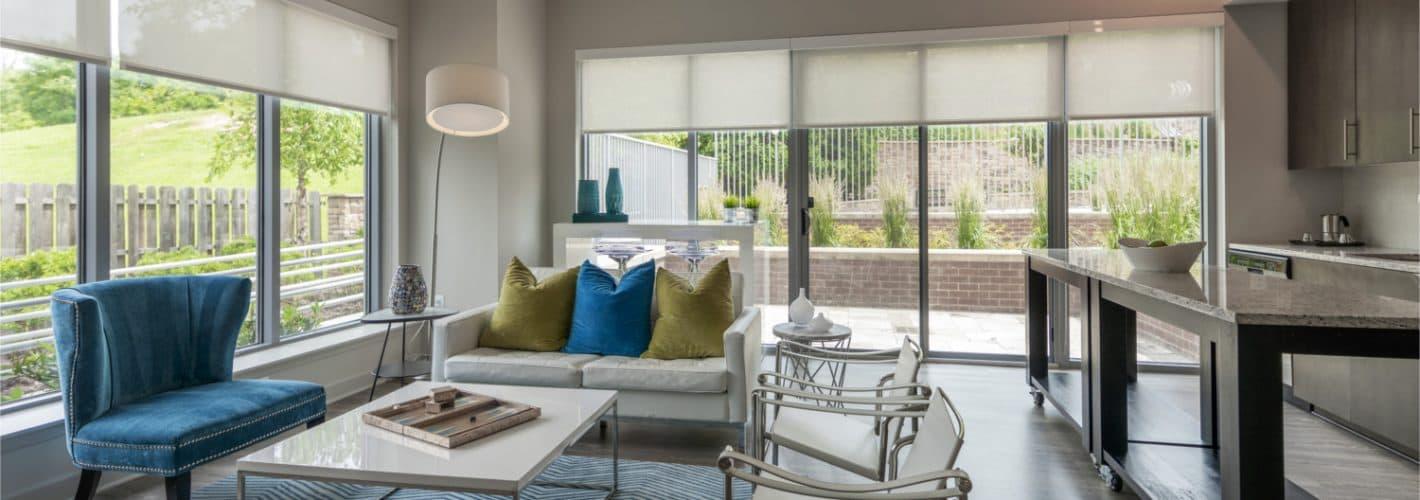 Ovation at Park Crest : Living room