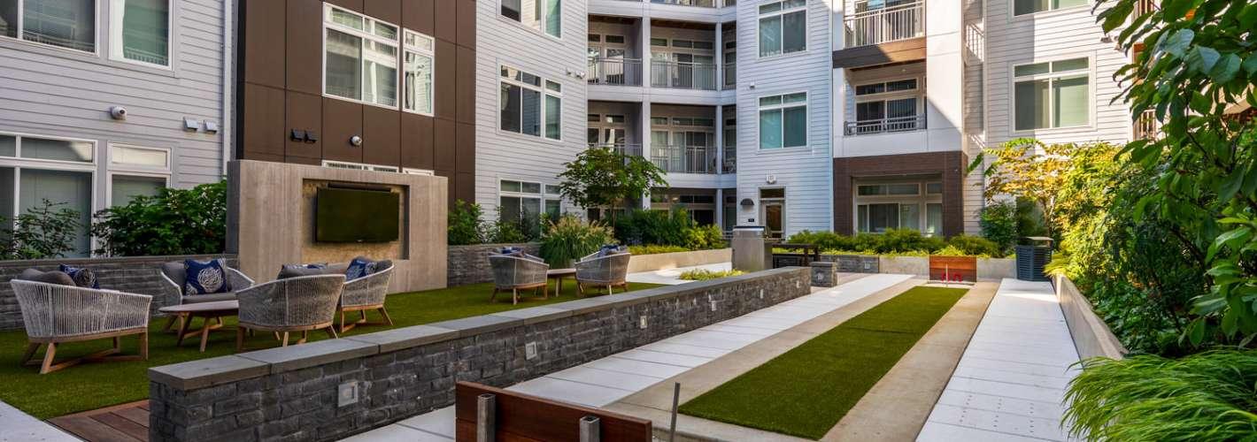 Aperture : Courtyard