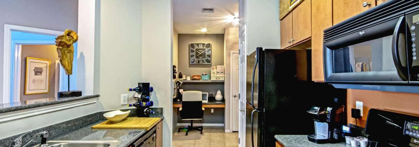 Stone Point Apartments : Enjoy cooking with a gas range stovetop in our galley style kitchen