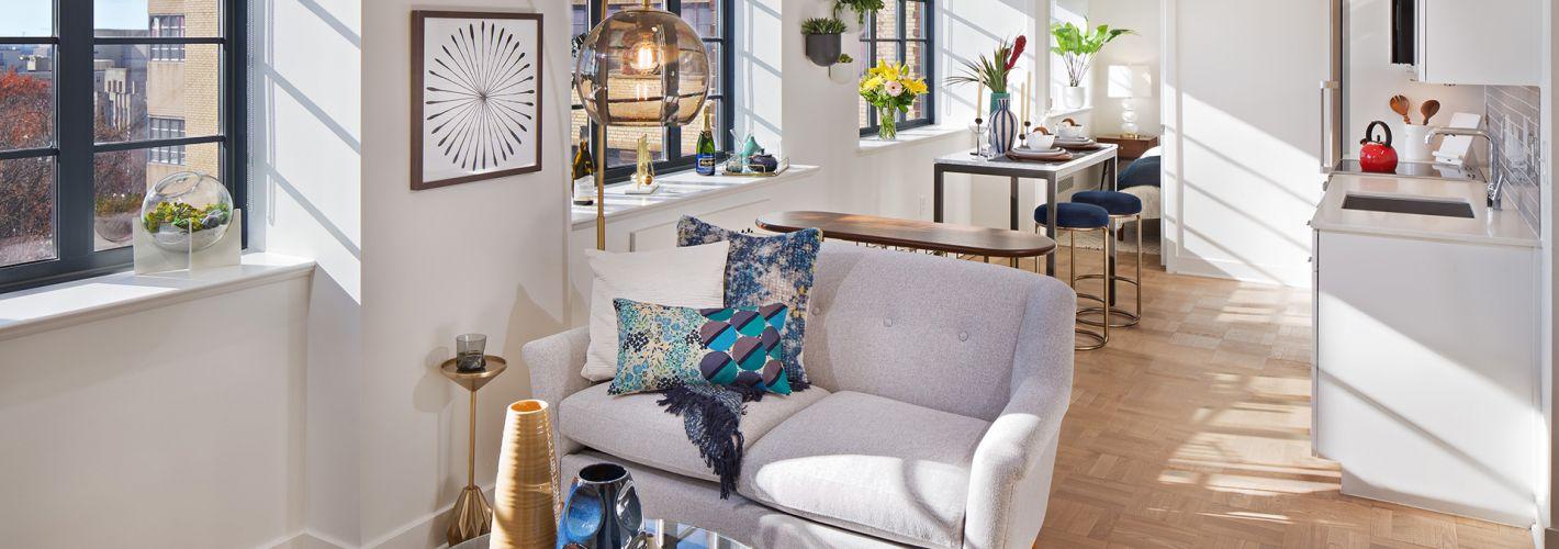 âme at Meridian Hill : Sunlit living rooms