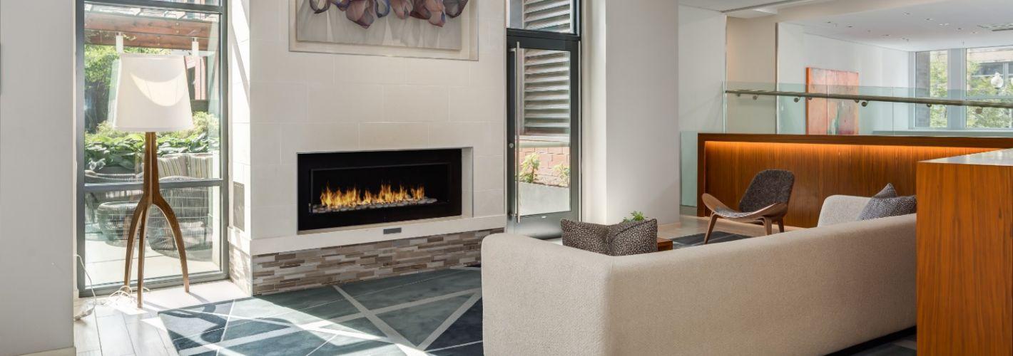 450K : Fireside Lounge