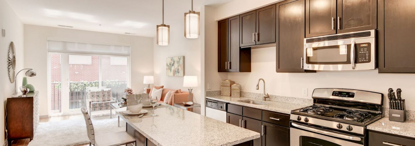 Crosswinds at Annapolis Town Center : Granite Countertops offer elevated elegance