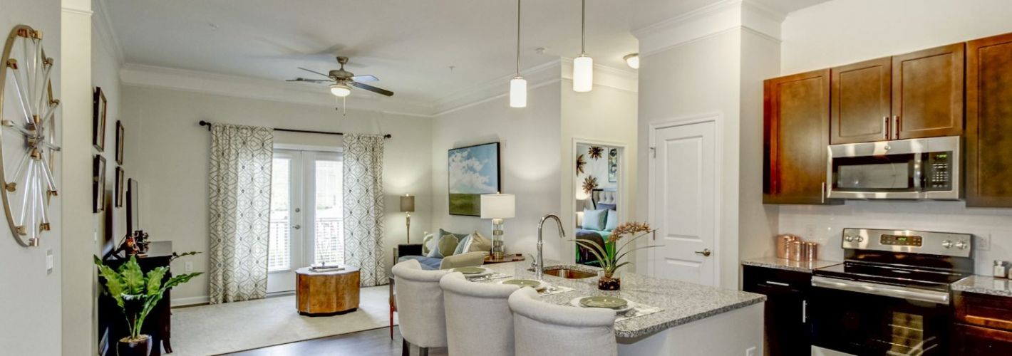 The Haven at Atwater Village : Kitchen Living Room