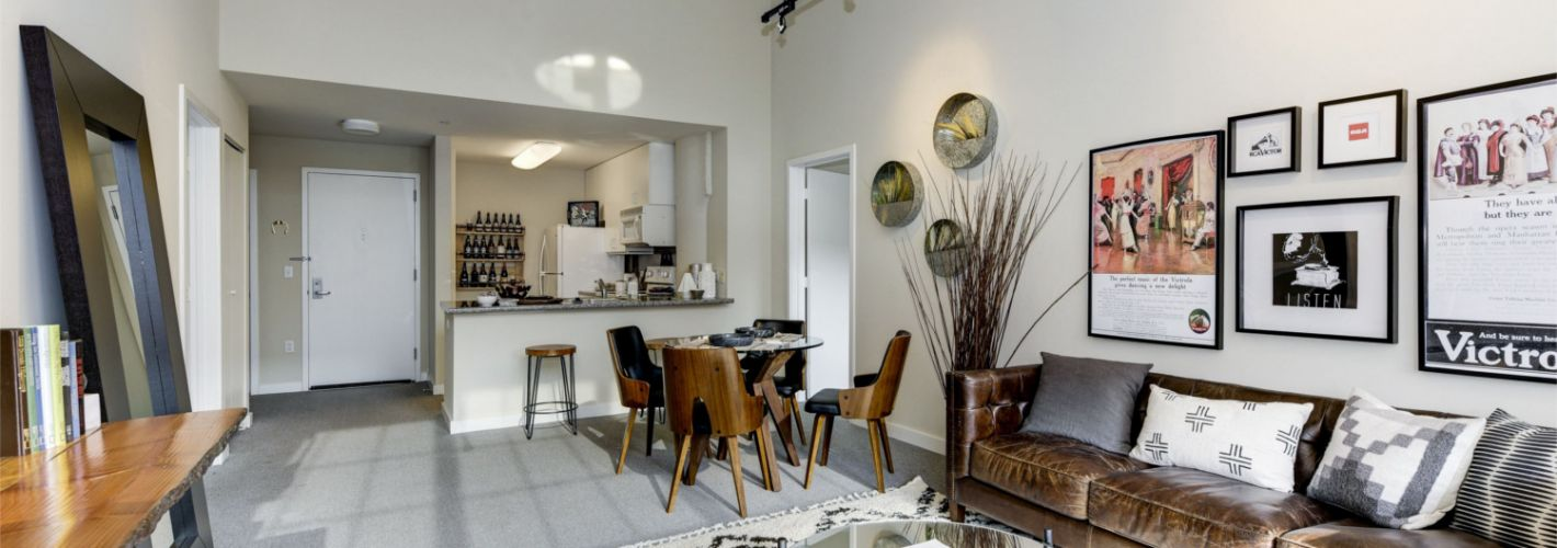 The Victor : Model Living Room & Kitchen