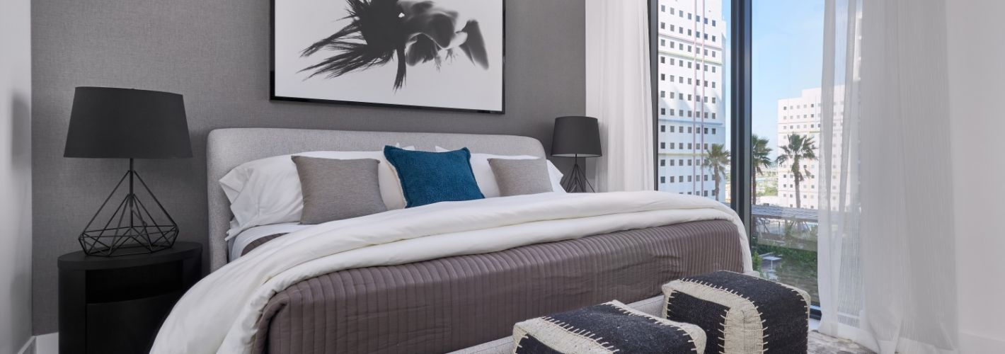 Park-Line Miami : A spacious, light-filled bedroom