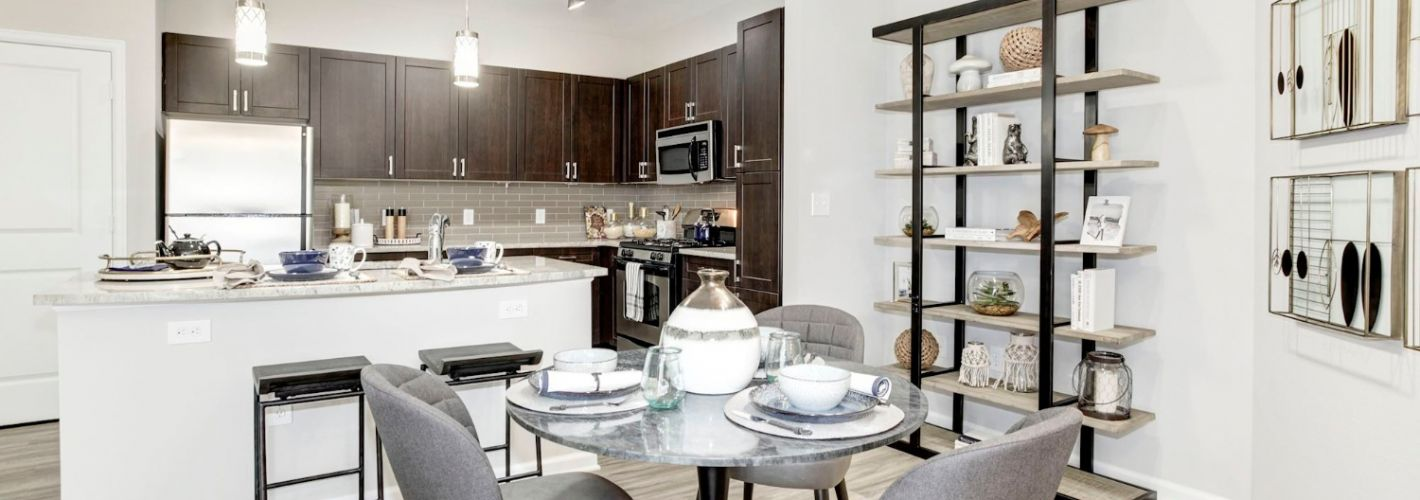 Enclave at Potomac Club Apartments : Kitchen