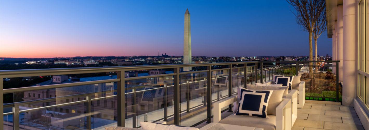 1331 : Views of the Washington Monument at 1331.