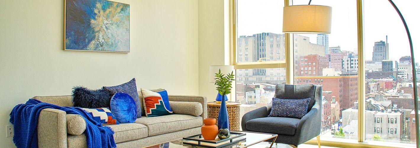 Crane Chinatown : Living Room View