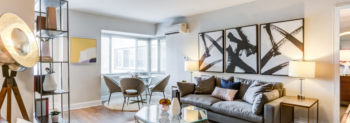 The Kenmore : Living Room