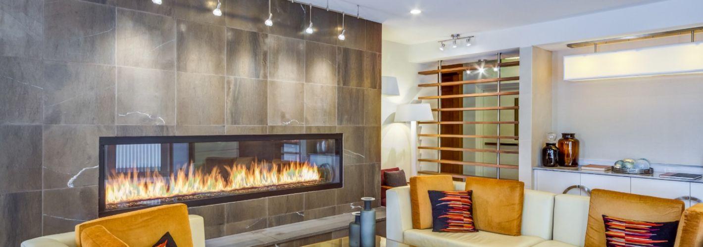 Arbors at Baltimore Crossroads : Fireplace Lounge