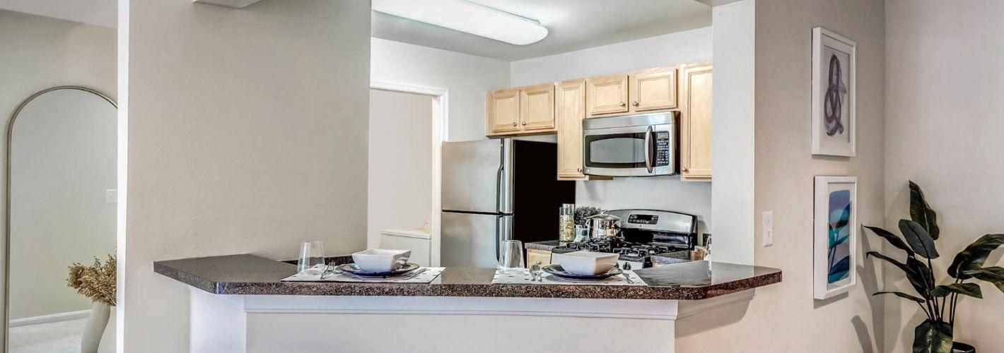 The Apartments at Harbor Park : Kitchen Island
