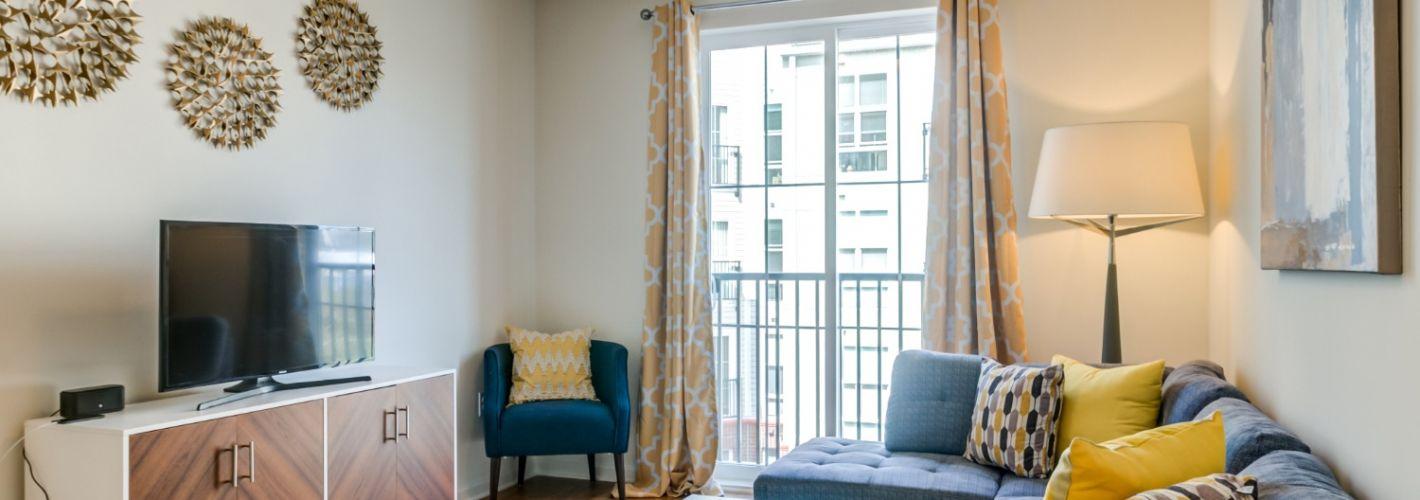 The Royal Athena : Living Room