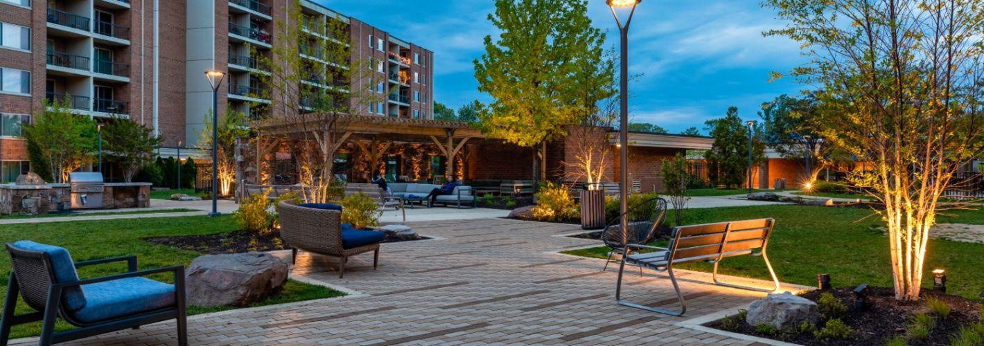 Falls Green : Courtyard