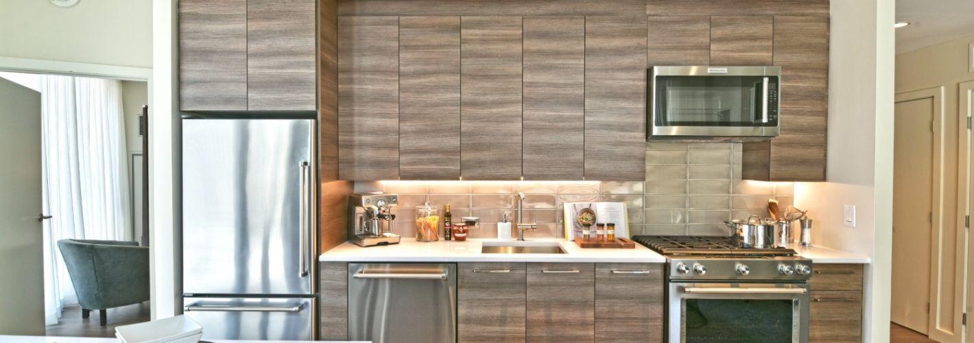 30 Dalton :  Kitchens featuring an array of KitchenAid appliances.