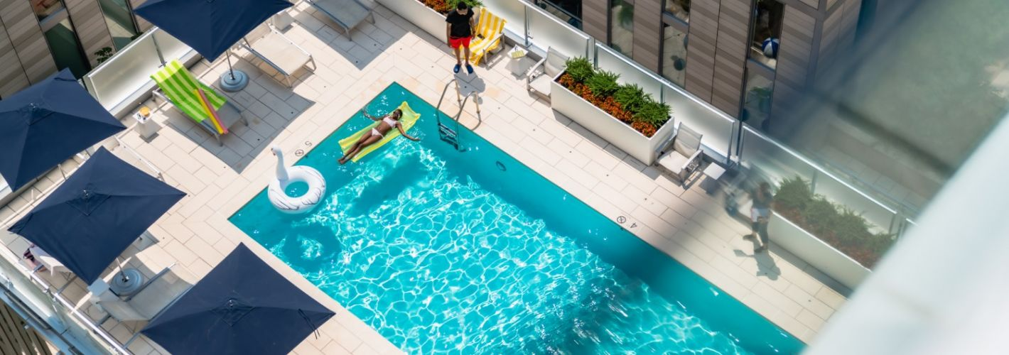 The Apartments at CityCenter : Pool