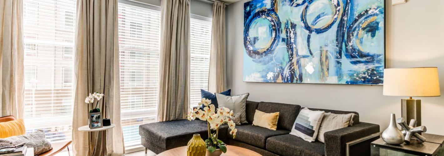 Ascend Apollo : Living Room