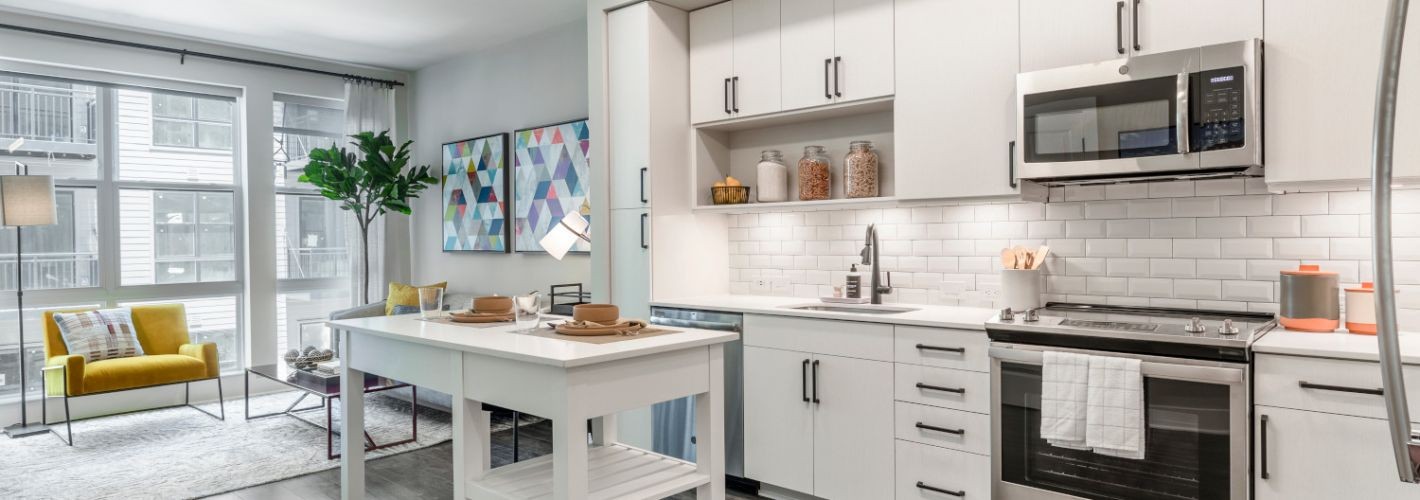 Coda at Bryant St : Our Northeast, DC apartments for rent offer floor to ceiling windows