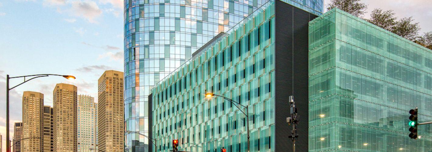 727 West Madison : Exterior Building Road