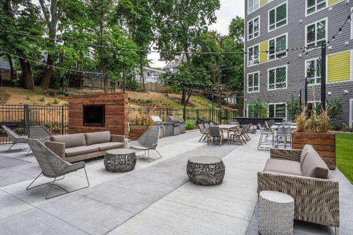 Velo : Velo Courtyard
