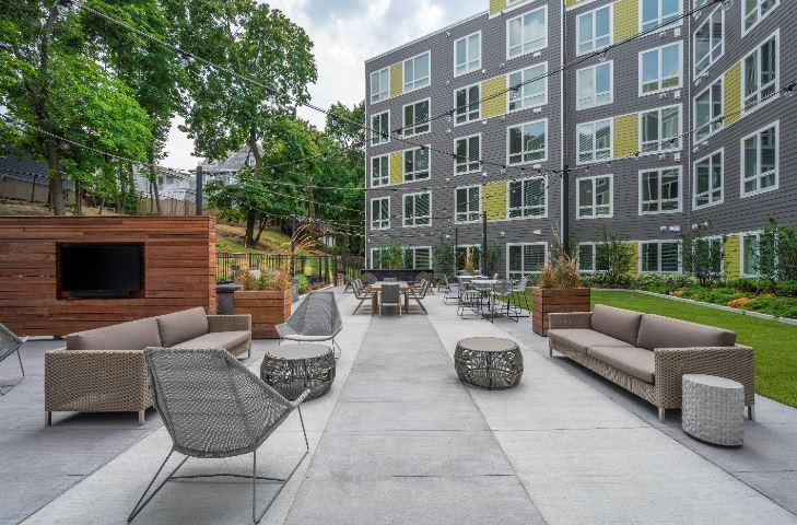 Velo : Velo Courtyard2