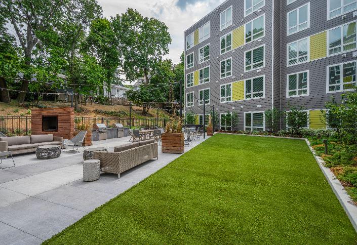 Velo : Velo Courtyard3