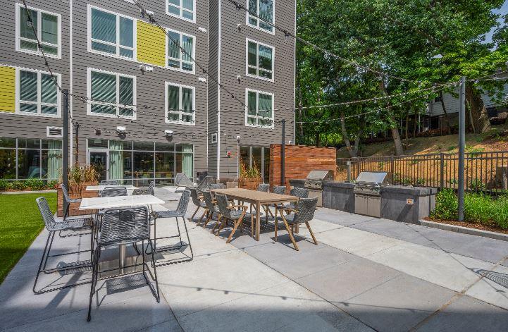 Velo : Velo Courtyard4