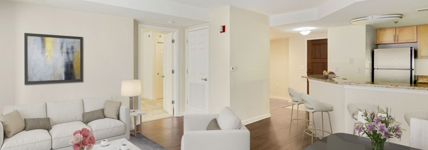 The Promenade at Harbor East : Choose from studio to three-bedroom boutique homes