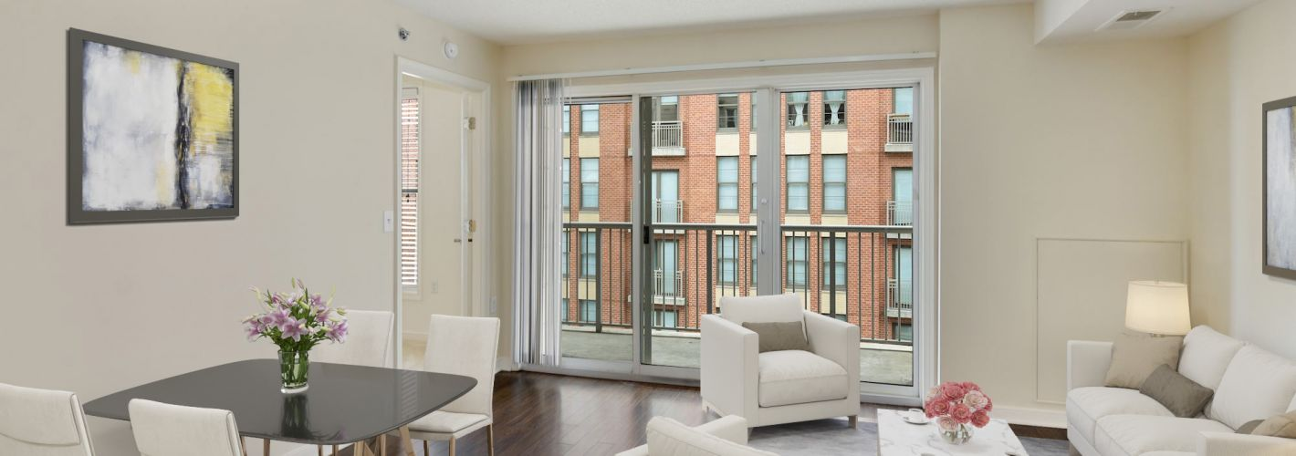 The Promenade at Harbor East : Enjoy spacious, open layouts with bright balcony options