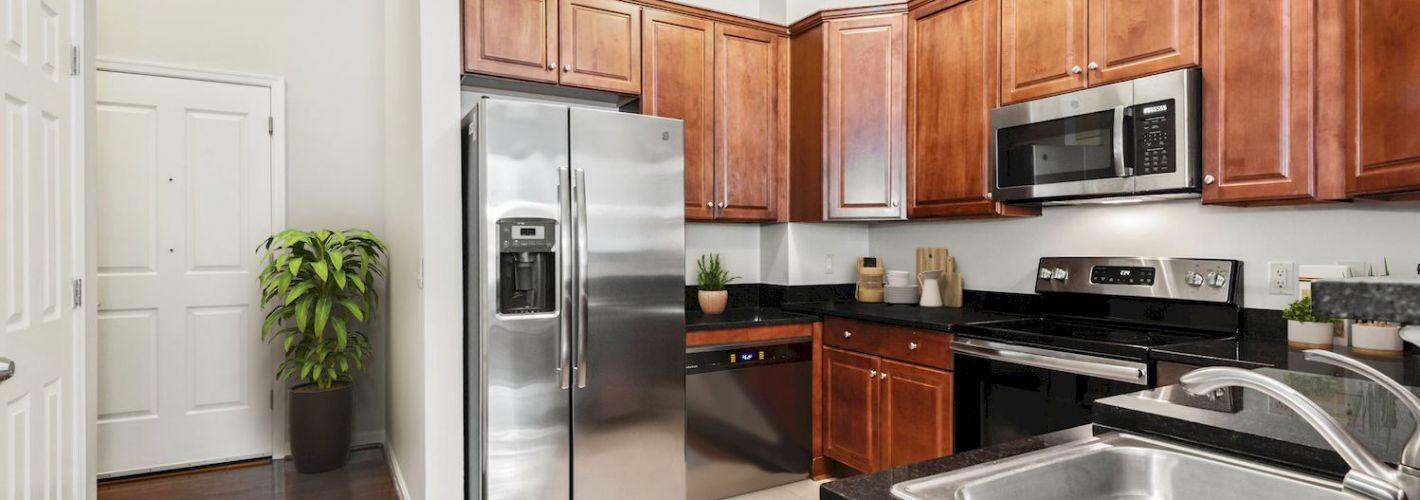 Clayborne Apartments : Gourmet Kitchens