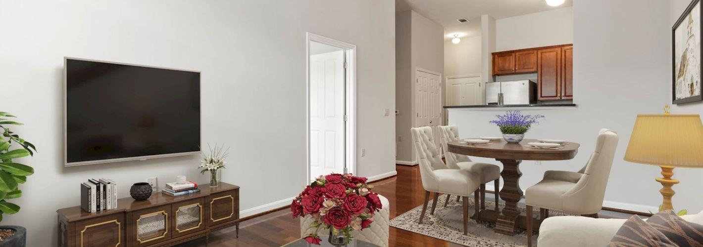 Clayborne Apartments : Living area