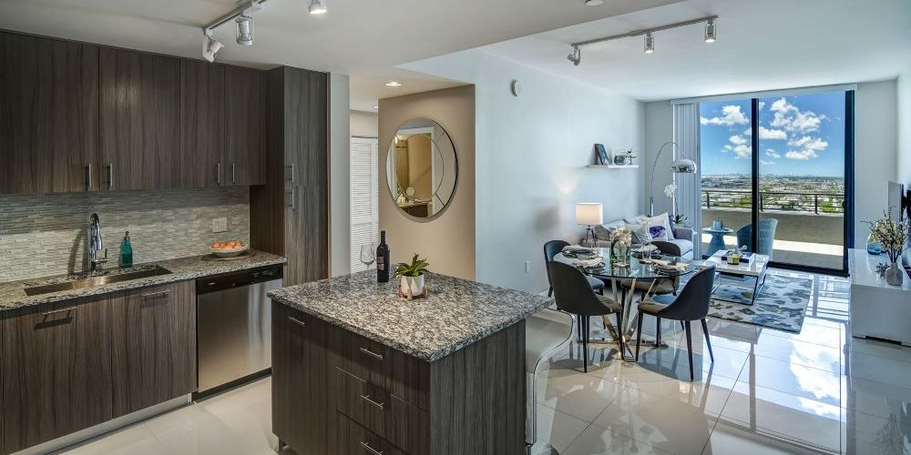 5250 Park at Downtown Doral : Kitchen