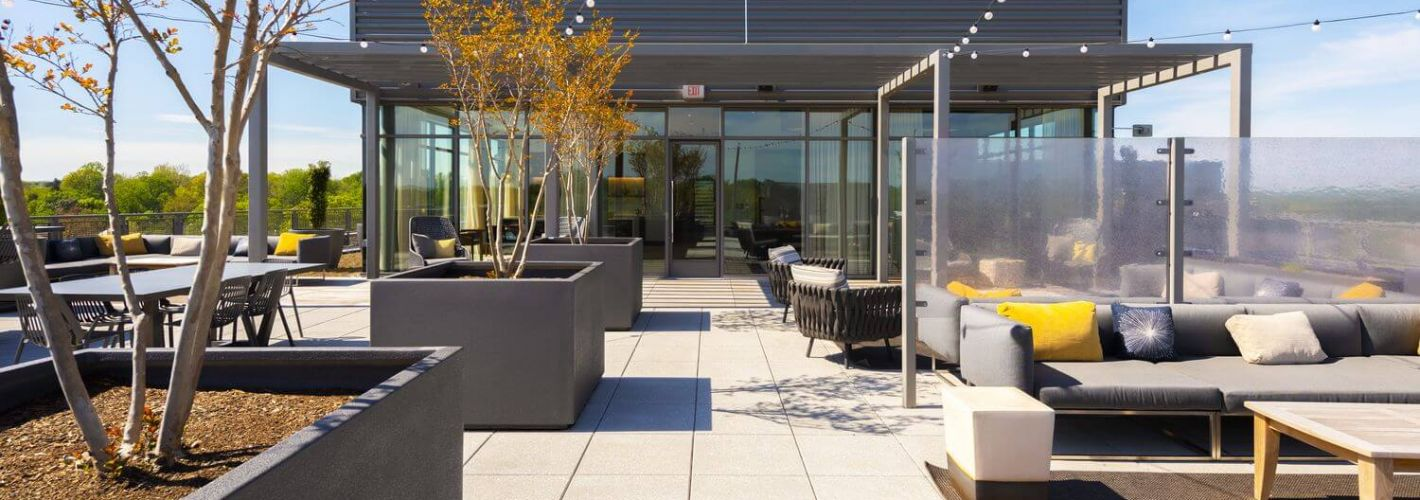 The Lindley : Rooftop Lounge Seating