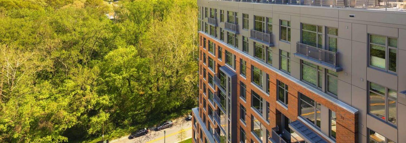 The Lindley : Balconies