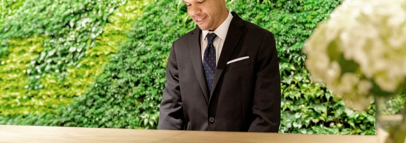 Crossing : PEACE OF MIND: Dedicated 24-hour onsite concierge to welcome you home in both East and West lobbies.