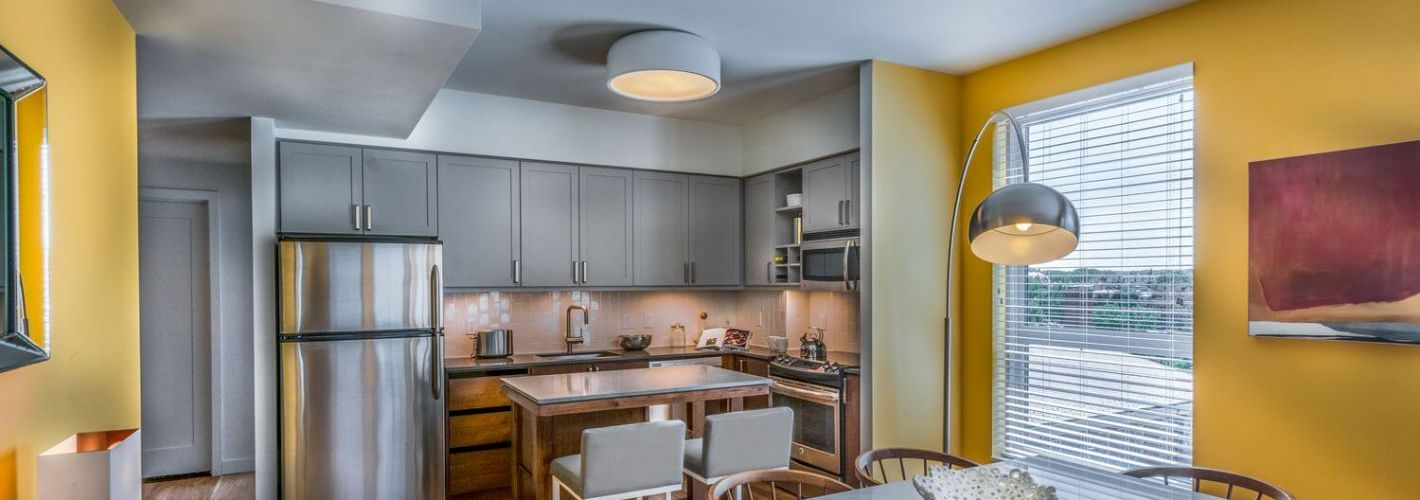 Station House : Light filled kitchen and dining area