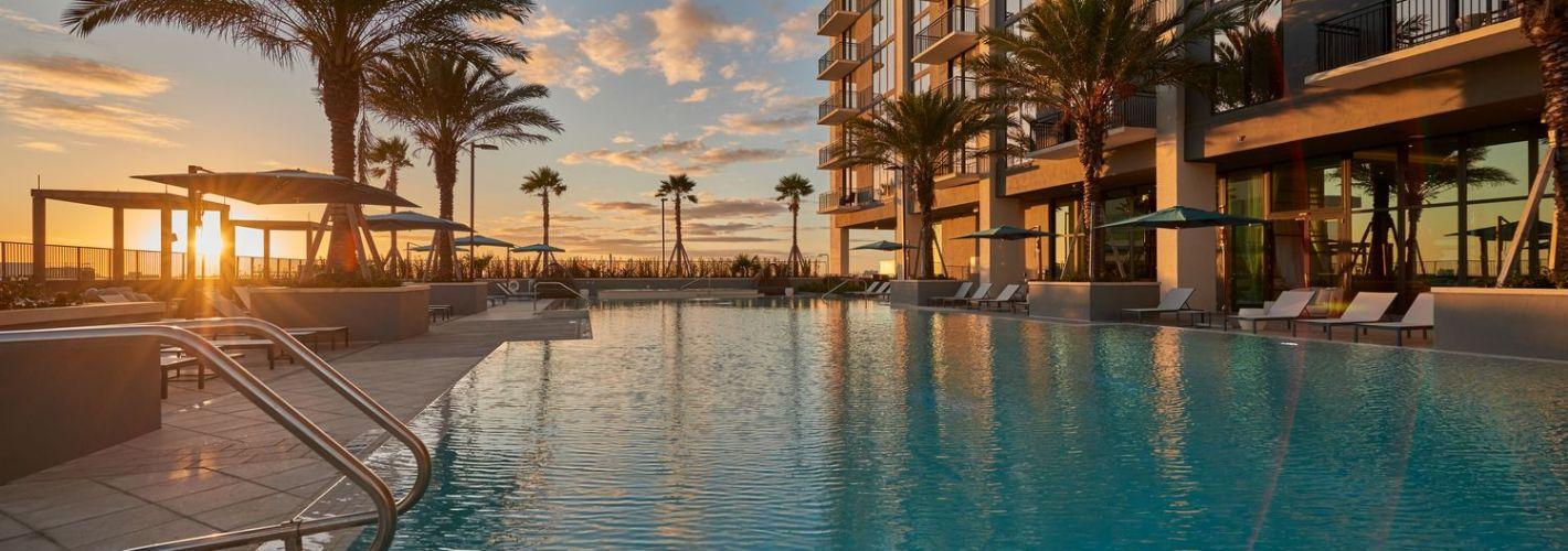 ParkLine Miami : Dusky light over shimmering water