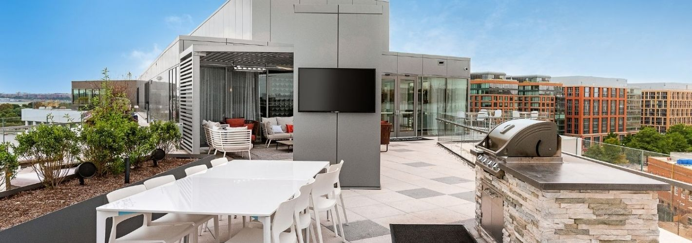 The Banks : Spacious Rooftop