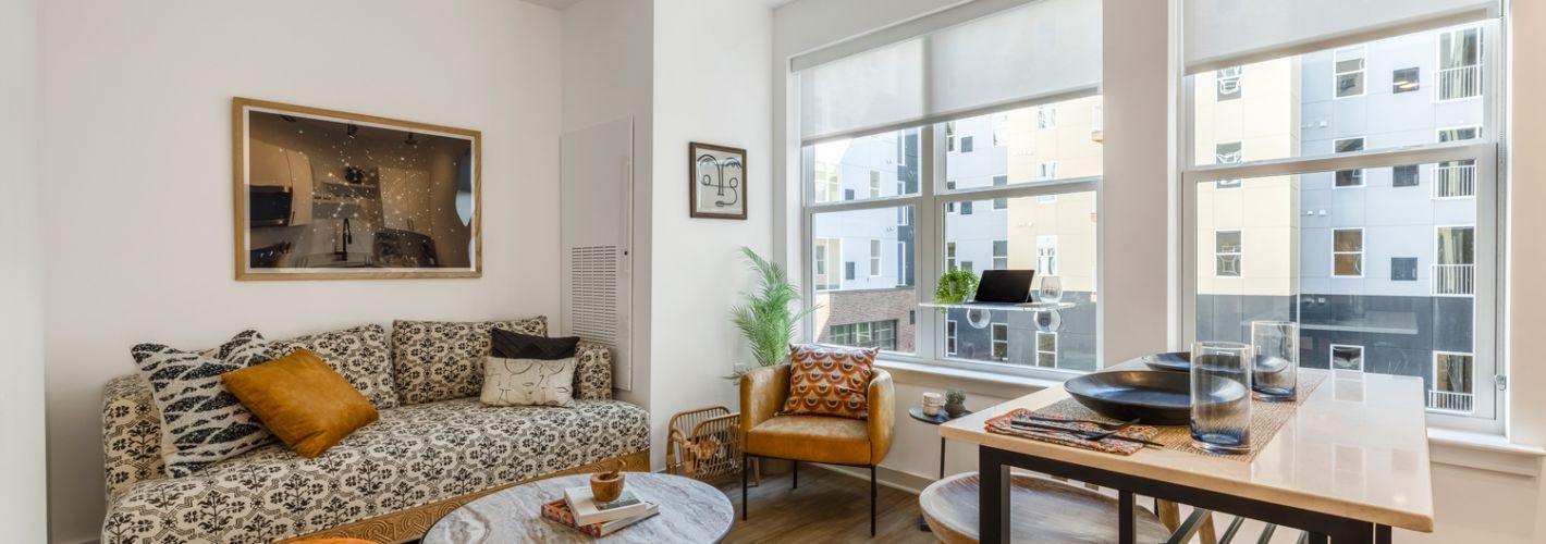 Stella : Living Room