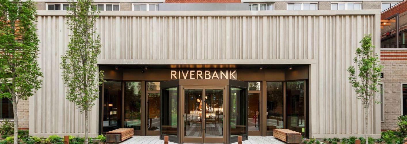 Riverbank : Riverbank Courtyard