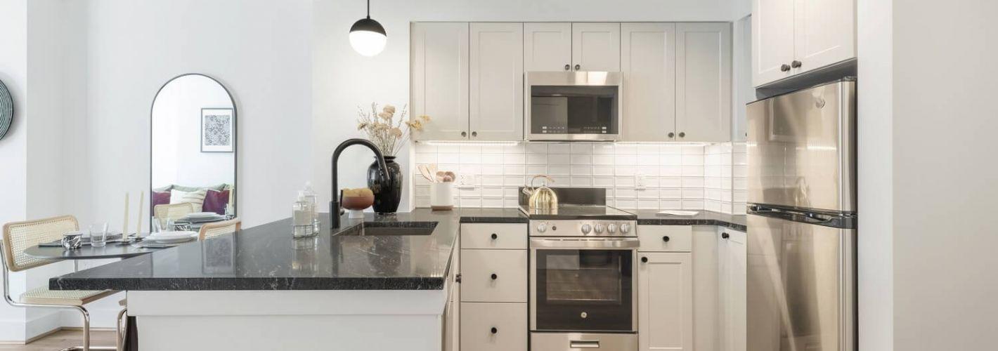 The Wray : Spacious granite countertops for entertaining