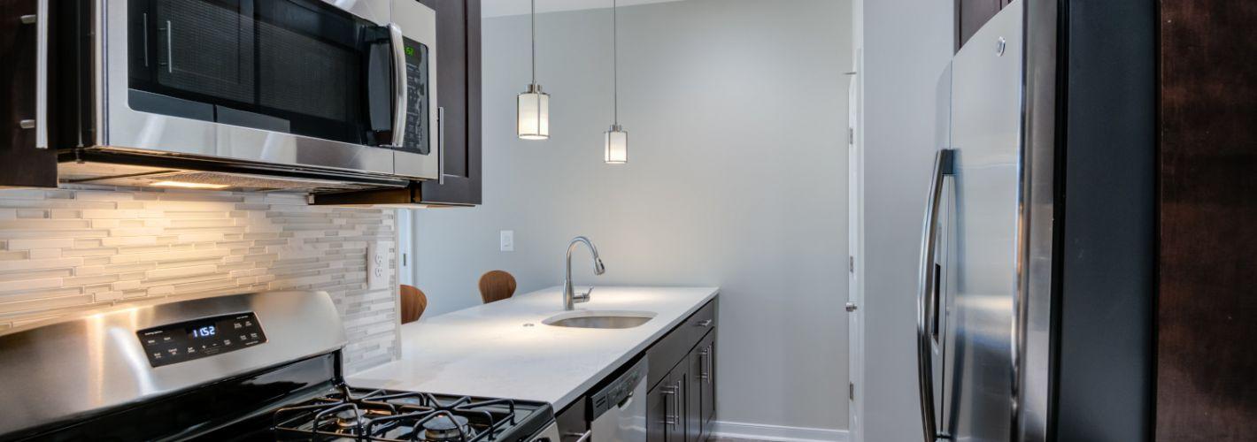 Instrata Pentagon City : Kitchen